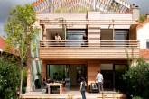 00-casa-sustentavel-de-madeira-e-montada-em-apenas-duas-semanas