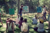 00-em-seus-quadros-e-aulas-artista-flora-bowley-mistura-formas-e-cores