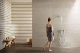 01-este-chuveiro-cria-uma-cascata-em-seu-banheiro