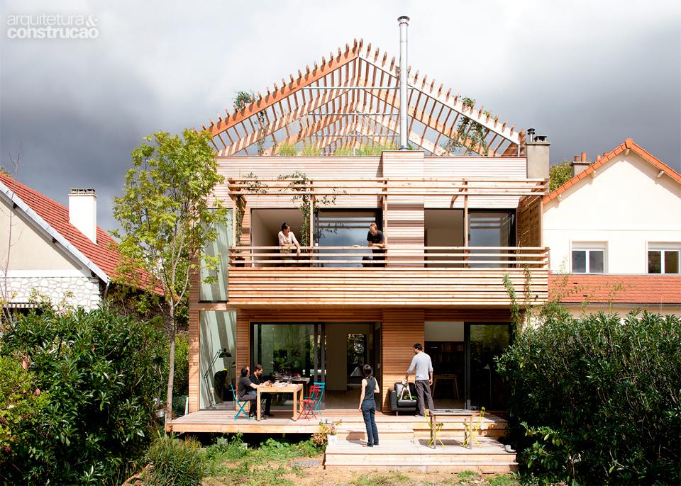01-casa-sustentavel-de-madeira-e-montada-em-apenas-duas-semanas