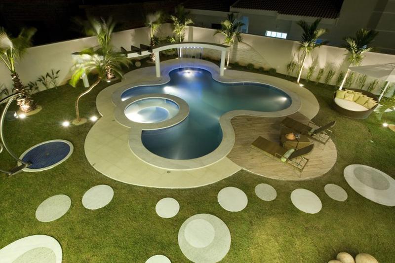 0110-piscinas-com-curvas-projetadas-por-aquiles-nicolas-kilaris01