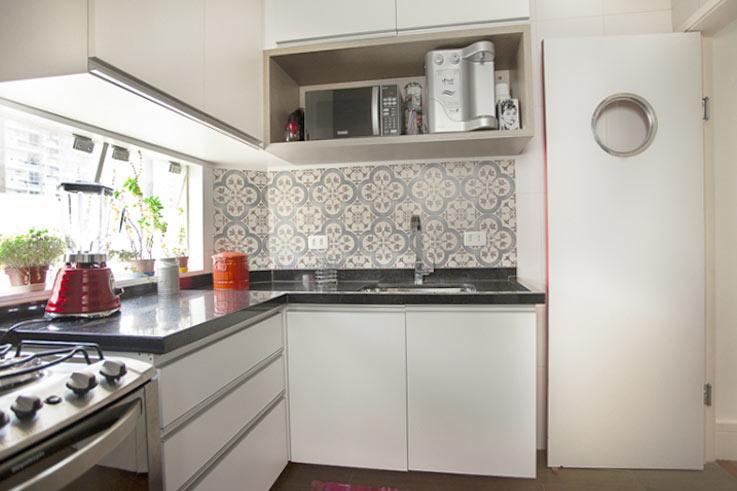 02-antes-depois-antes-e-depois-cozinha-de-5-m2-e-reformada-para-fazer-o-espaco-render