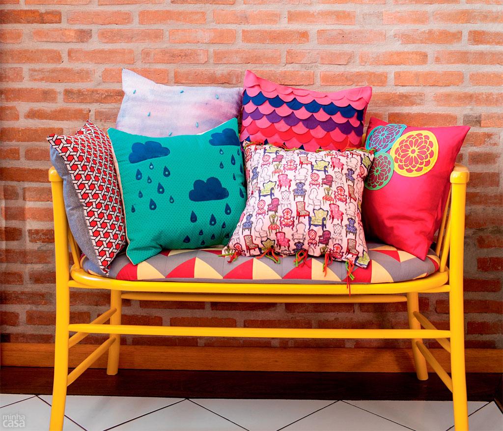 02-aprenda-a-fazer-estampas-de-almofadas-que-imitam-aquarela