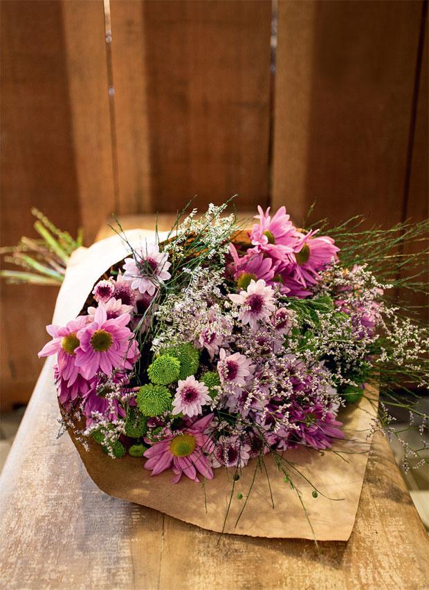 02-arranjo-de-flores-monte-seu-buque-perto-do-hortifruti