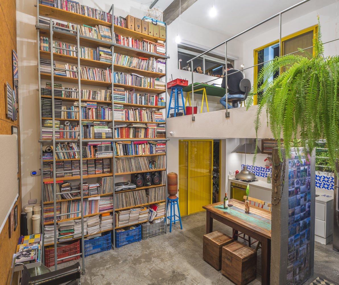 02-casa-em-florianopolis-tem-ambientes-descontraidos-e-cheios-de-cor