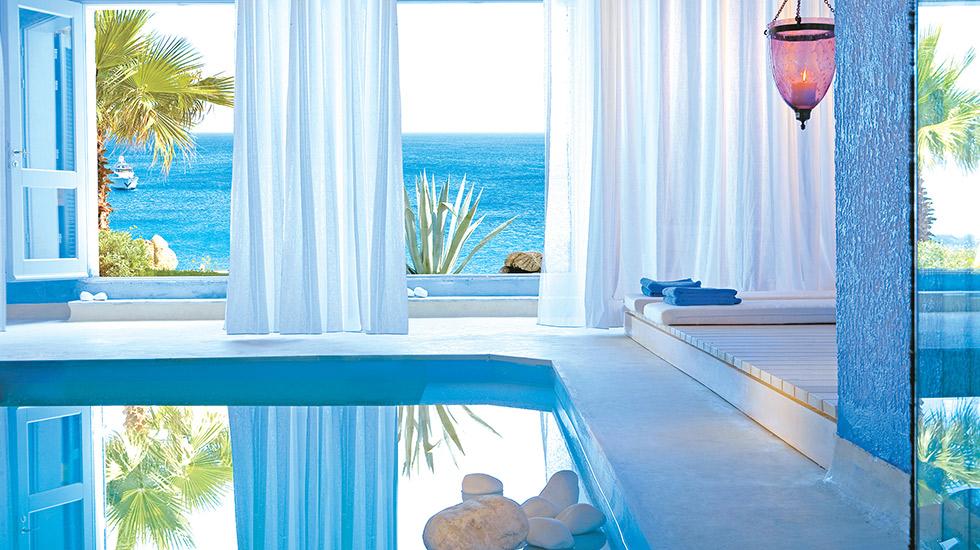 02-luna-blu-suite-private-heated-indoor-pool-mykonos-blu-585
