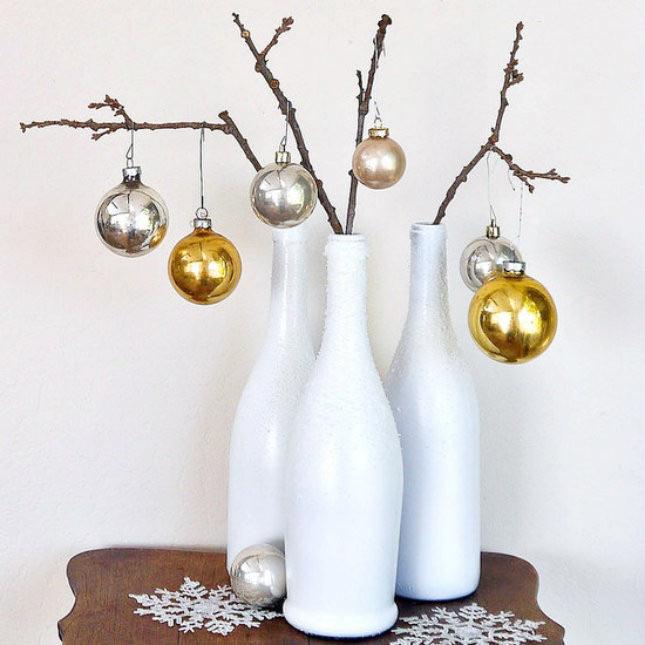 02-maneiras-de-decorar-a-mesa-de-natal-com-garrafas-de-vinho