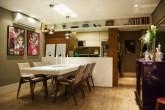 03-apartamento-decorado-cheio-de-pecas-de-antiguidade-e-herancas-de-familia