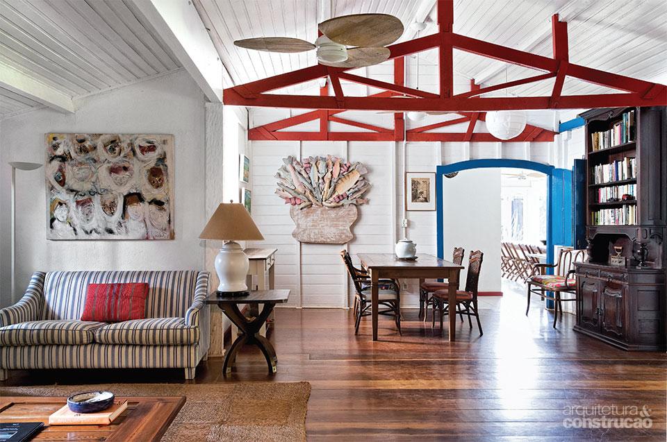 03-casal-reforma-casa-de-praia-mantendo-seu-estilo-colonial