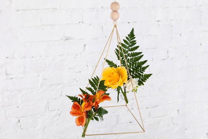 03-como-fazer-um-mobile-geometrico-decorado-com-flores