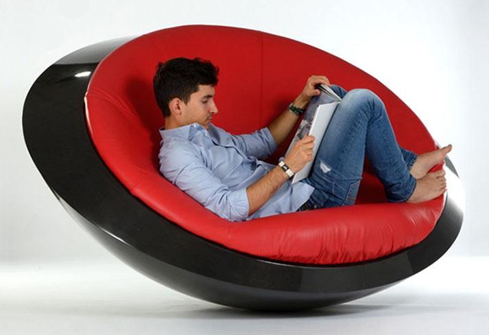 03-esta-cadeira-de-balanco-parece-um-ovni-voce-teria-uma