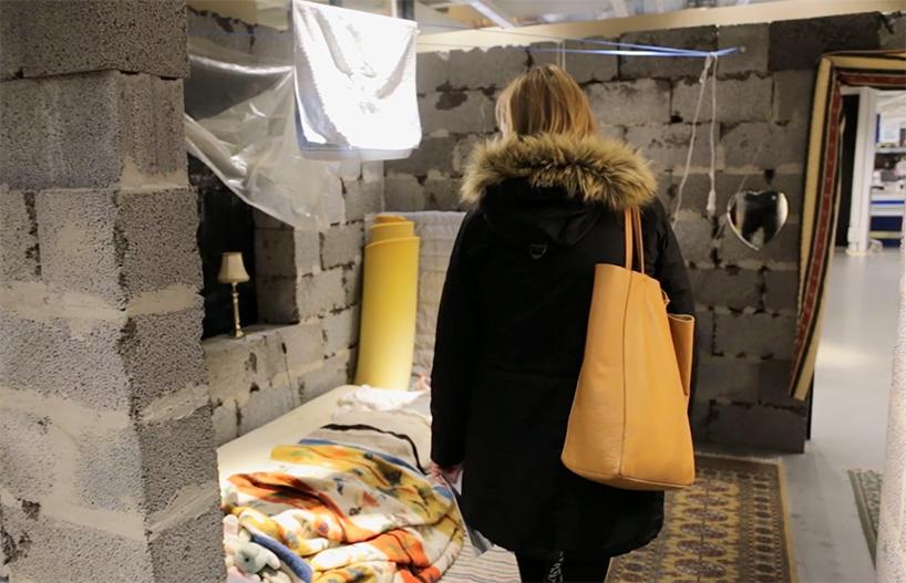 03-instalacao-reproduz-casa-siria-em-loja-da-ikea-na-noruega