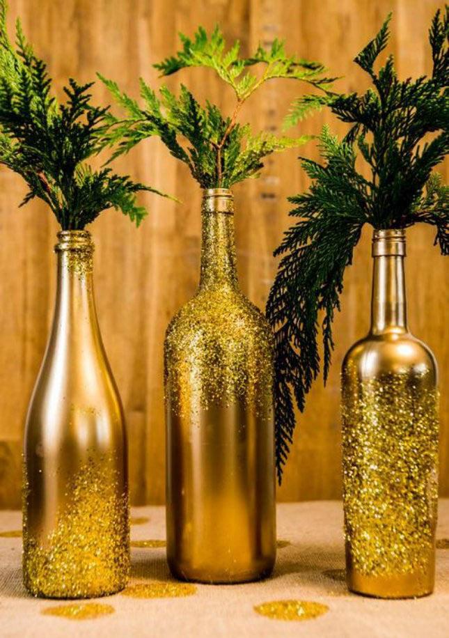 03-maneiras-de-decorar-a-mesa-de-natal-com-garrafas-de-vinho