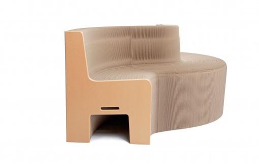 03-esta-cadeira-se-transforma-em-um-banco-de-ate-12 lugares