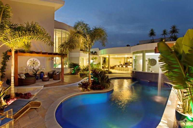 0310-piscinas-com-curvas-projetadas-por-aquiles-nicolas-kilaris01