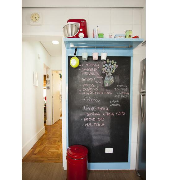 04-antes-depois-antes-e-depois-cozinha-de-5-m2-e-reformada-para-fazer-o-espaco-render