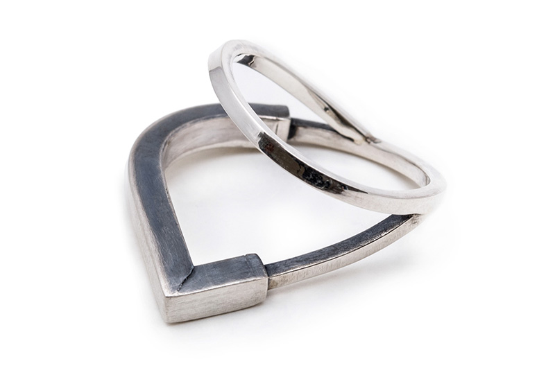04-designer-israelense-cria-colecao-de-joias-inspirada-na-arquitetura