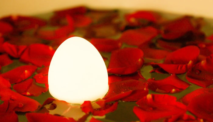 04-esta-luminaria-sem-fio-tem-formato-de-ovo-e-e-uma-graca