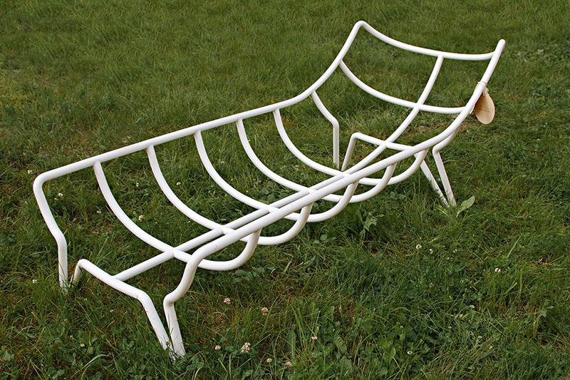 04-este-sofa-foi-desenhado-para-abracar-as-pessoas
