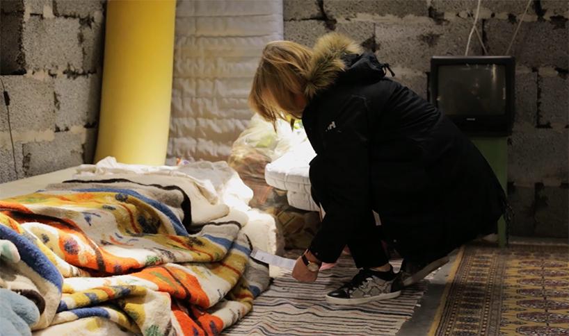 04-instalacao-reproduz-casa-siria-em-loja-da-ikea-na-noruega