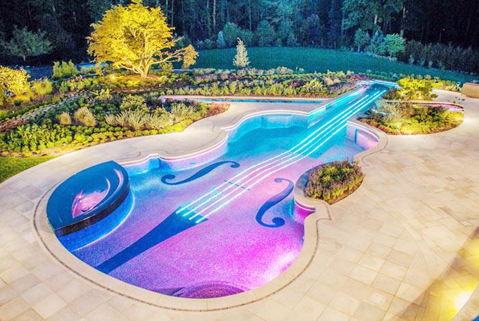 04 -piscinas-com-formatos-divertidos