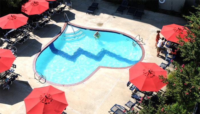 05-piscinas-com-formatos-divertidos