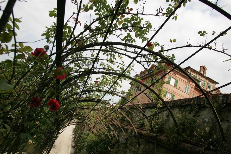 06-casa-infancia-carla-bruni-sarkozy-venda-castelo-historico-italia
