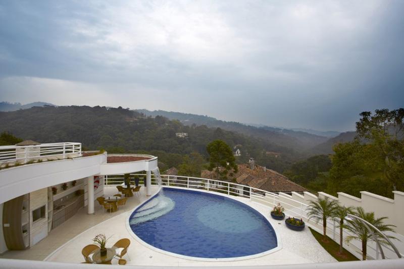 0710-piscinas-com-curvas-projetadas-por-aquiles-nicolas-kilaris01