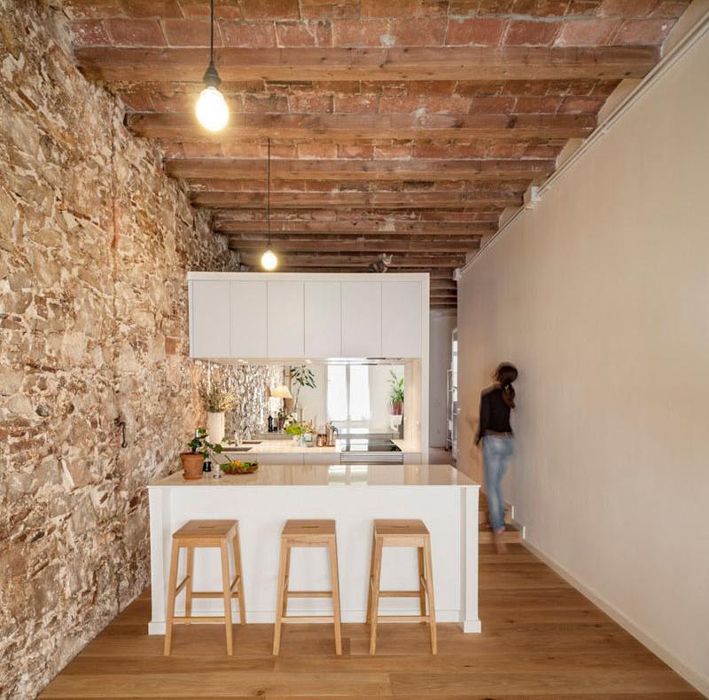 07-12-cozinhas-pequenas-que-aproveitam-muito-bem-o-espaço