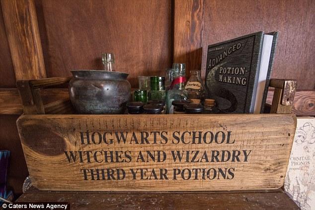 08-mae-transforma-sala-jantar-em-hogwarts-harry-potter