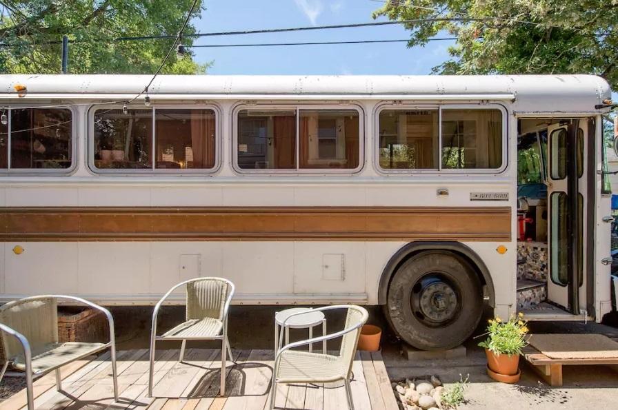 10-casas-que-foram-escola-airbnb