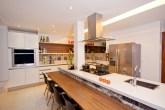 10-cozinhas-com-ilha-projetadas-por-membros-do-casapro (2)