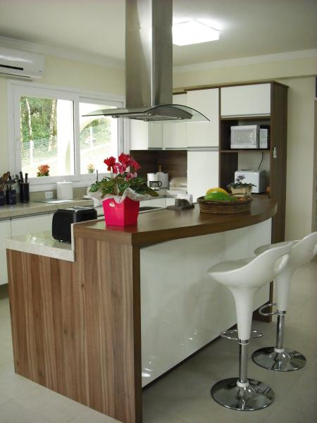 10-cozinhas-com-ilha-projetadas-por-membros-do-casapro (3)