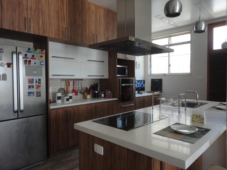 10-cozinhas-com-ilha-projetadas-por-membros-do-casapro (9)