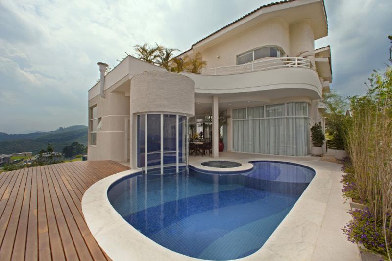 1010-piscinas-com-curvas-projetadas-por-aquiles-nicolas-kilaris01