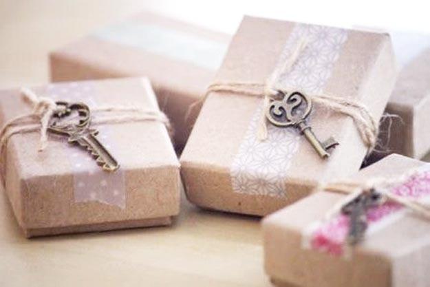 26-maneiras-de-fazer-embrulhos-de-presente-com-papel-kraft