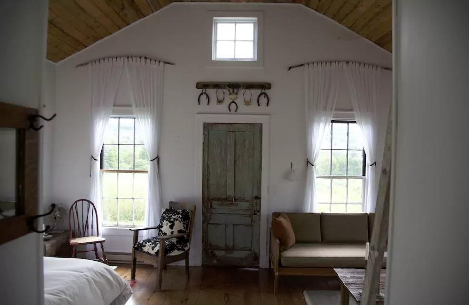 4-casas-que-foram-escola-airbnb
