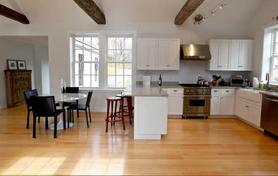 8-casas-que-foram-escola-airbnb