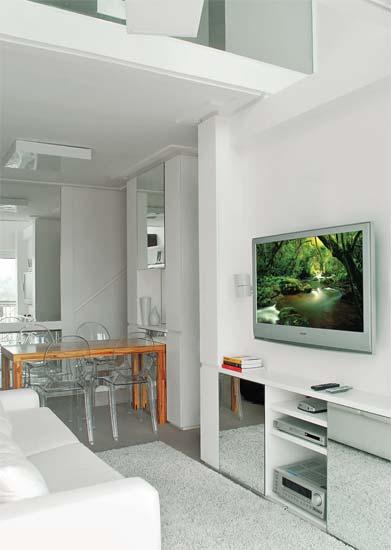 Para agilizar a reforma deste apartamento em São Paulo, a arquiteta Karina A...