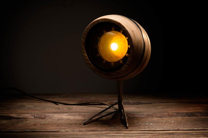 1designer-russa-cria-luminaria-inspirada-na-anatomia-do-olho