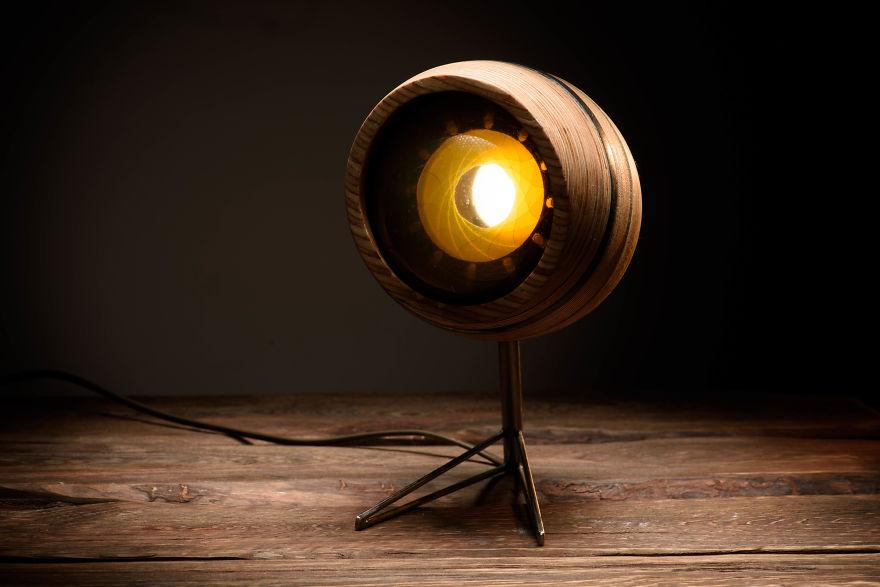 3designer-russa-cria-luminaria-inspirada-na-anatomia-do-olho