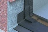 A manta asfáltica deve subir 30 cm e ficar embutida na parede. Depois, receb...