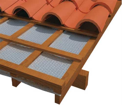 Para janelas no telhado é preciso saber qual o modelo compatível com a cobe...