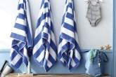casa-na-praia-parede-com-estencil-define-espaco-das-toalhas-Johnny-Miller