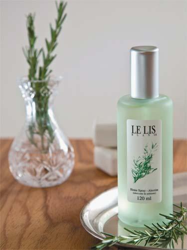 O home spray da Le Lis Blanc Casa é ideal para ser usado na cozinha. O aroma...