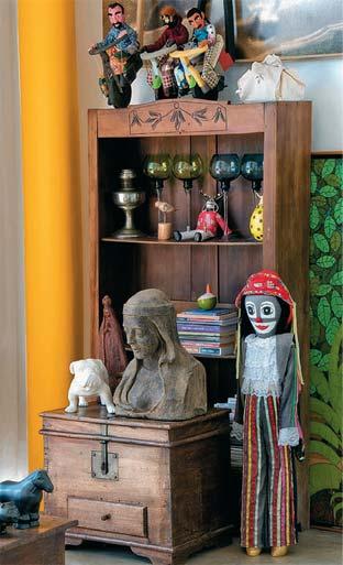 Léo adora colecionar: de artesanato brasileiro a pingüins de geladeira, de ...