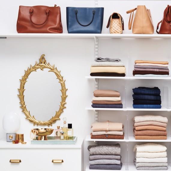 closet-com-prateleiras-e-divisores-de-acrilico-Bryan-Gardner
