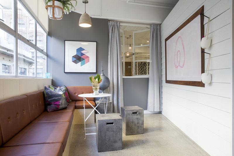 conheca-a-nova-sede-do-airbnb-em-sidney-tem-quarto-atras-da-estante (9)