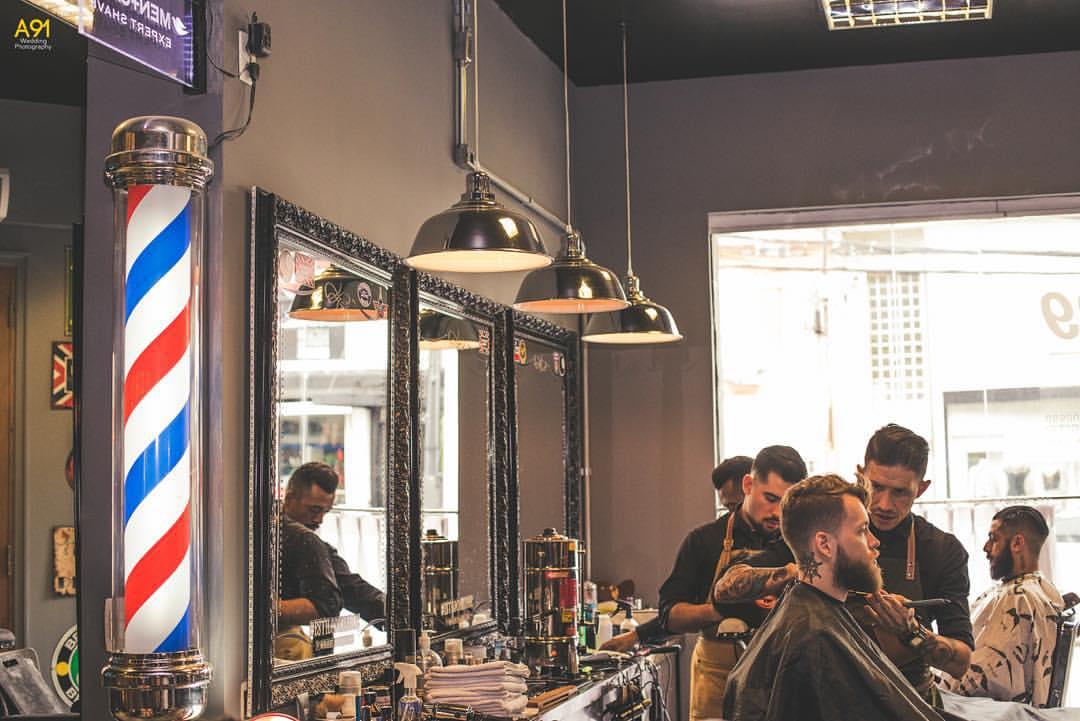 Corleone-barbearias-retro-cheias-de-estilo