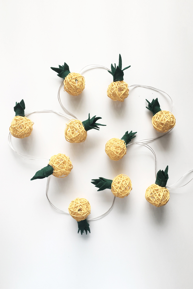 diy-pineapple-string-lights-drawntodiy-02